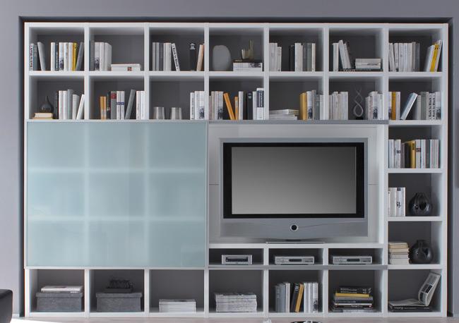Das Bild zeigt ein Toro Regal TV Fach und Schiebetür weiß.