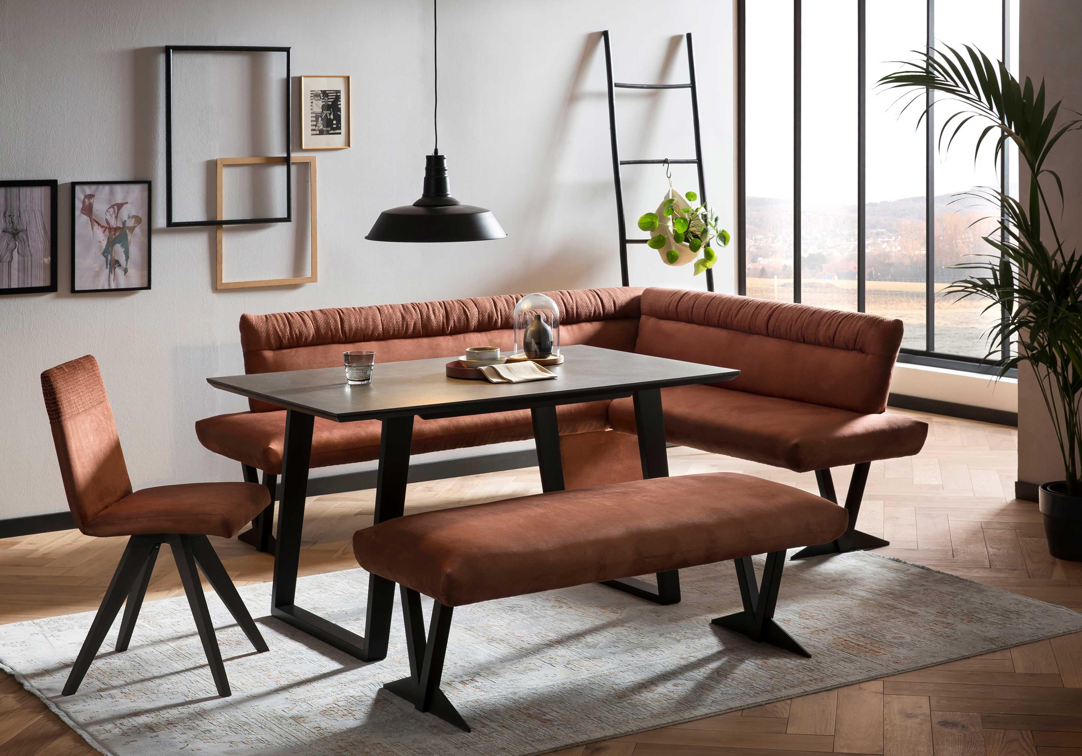 Standard Furniture moderne Tischgruppe mit Dekton Fossil