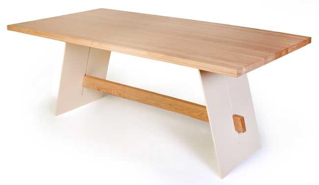 Standard Furniture Aladin Esstisch eiche mit Metallwangen weiß