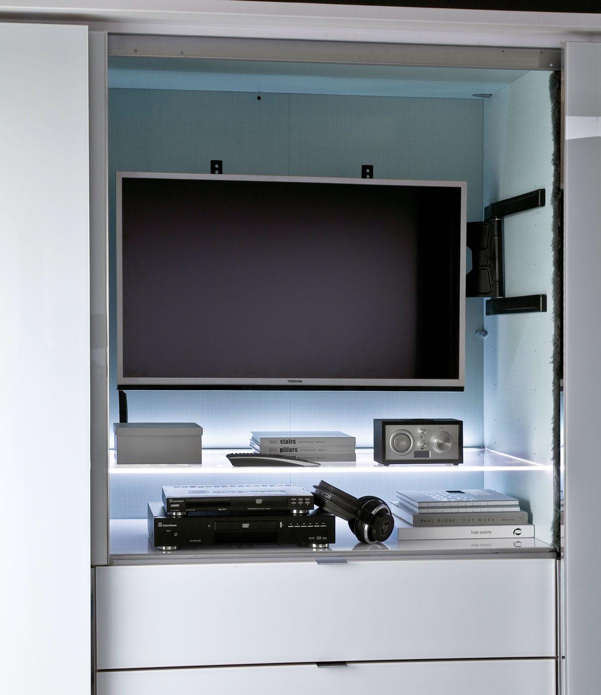 Staud Media Kleiderschrank Mit Tv Fach U Spiegel Weiss B 336 Cm