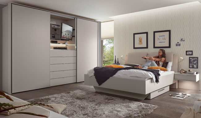 Schlafzimmereinrichtung Sinfonie Plus mit TV Kleiderschrank