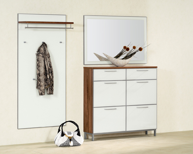 Voss Garderobe Santana SetE Nussbaum Front Optiweißglas